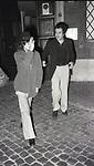 BERNARDO BERTOLUCCI CON MARIA SCHNEIDER<br /> NEI PRESSI DELL'ABITAZIONE IN VIA DELLA LUNGARA ROMA 1973