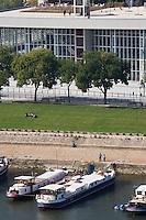 Europe/France/Pays de la Loire/49/Maine-et-Loire/ Angers: Le Quai -Théatre et Epace culturel sur les rives de la Maine  face au Château