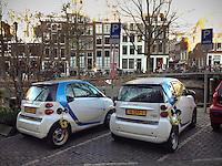 Charging together at the Keizersgracht.<br /> <br /> Photo Kees Metselaar