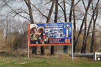- 20 years from the nuclear incident of Chernobyl, commemorative placard for the firemen near the checkpoint at the entry of the contaminated area of 30 kilometers around the place of catastrophe ....- 20 anni dall'incidente nucleare di Chernobyl, cartello commemorativo per i vigili del fuoco nei pressi del posto di controllo all'ingresso della zona contaminata di 30 chilometri intorno al luogo della catastrofe