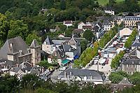 Europe/France/Aquitaine/64/Pyrénées-Atlantiques/Pays-Basque/Mauléon-Licharre: vue générale depuis le Château fort avec le château de Maytie dit d'Andurain