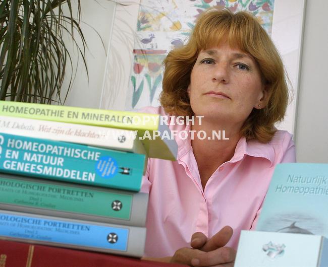 Oosterbeek, 210801<br />Homeopatisch arts i.v.m. overlijden Silvia Millecam<br />Foto: Sjef Prins / APA Foto