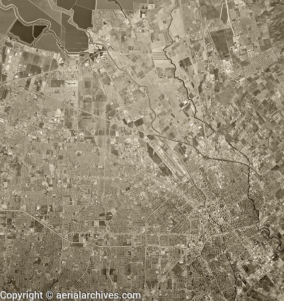 historical aerial photograph San Jose and Santa Clara, California, 1970