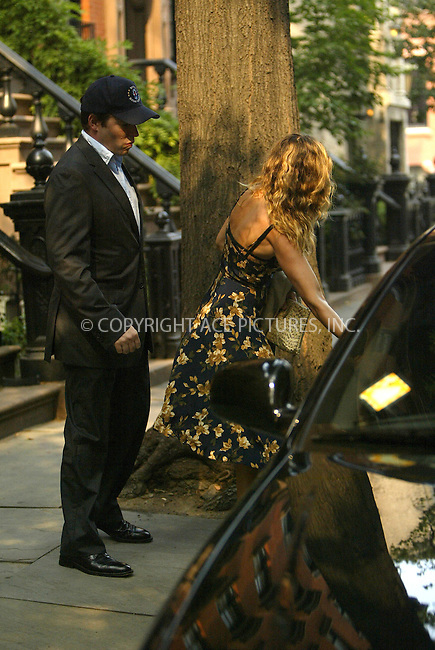 WWW.ACEPIXS.COM . . . . .  ....NEW YORK, AUGUST 12, 2005....Sarah Jessica Parker and Matthew Broderick get dressed up and head out for the evening.....Please byline: JENNIFER L GONZELES-ACE PICTURES.... *** ***..Ace Pictures, Inc:  ..Craig Ashby (212) 243-8787..e-mail: picturedesk@acepixs.com..web: http://www.acepixs.com