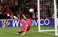BOGOTA -COLOMBIA, 9-07-2017. Franco Armani goalkeeper of Atletico Nacional  in action can not stop the penalty executed by John Pajoy player of Independiente Santa Fe. Action game between  Independiente Santa Fe and  Atletico Nacional  during match for the date 1 of the Aguila League II 2017 played at Nemesio Camacho El Campin stadium . Photo:VizzorImage / Felipe Caicedo  / Staff