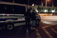"""Nach den pogromartigen Ausschreitungen gegen eine Fluechtlinsunterkunft im saechschen Heidenau am Freitag den 21. August 2015 durch Anwohnerinnen der Ortschaft, kamen am Samstag de 22. August 2015 ca. 250 Menschen in die Ortschaft um ihre Solidaritaet mit den Gefluechteten zu zeigen.<br /> Am Vorabend hatten Rassisten, Nazis und Hooligans sich zum Teil Strassenschlachten mit der Polizei geliefert um zu verhindern, dass Fluechtlinge in einen umgebauten Baumarkt einziehen. Ueber 30 Polizisten wurden dabei verletzt.<br /> Bis in die Abendstunden des 22. August blieb es trotz spuerbarer Anspannung um die Unterkunft ruhig. Im Laufe des Tages wurden immer wieder Gefluechtete mit Reisebussen gebracht was von den wartenenden Heidenauern mit Buh-Rufen begleitet wurde. Vereinzelt wurde auch """"Sieg Heil"""" gerufen, was die Polizei jedoch nicht verfolgte.<br /> Kurz vor 23 Uhr griffen Nazis und Hooligans wie am Vorabend die Polizei mit Steinen, Flaschen, Feuerwerkskoerpern und Baustellenmaterial an. Die Polizei mussten mehrfach den Rueckzug antreten, scheuchte den Mob dann von der Fluechtlingsunterkunft weg. Dabei wurden auch wieder Traenengasgranaten verschossen. Mindestens ein an den Ausschreitungen beteiligter Mann wurde festgenommen (im Bild).<br /> 22.8.2015, Heidenau/Sachsen<br /> Copyright: Christian-Ditsch.de<br /> [Inhaltsveraendernde Manipulation des Fotos nur nach ausdruecklicher Genehmigung des Fotografen. Vereinbarungen ueber Abtretung von Persoenlichkeitsrechten/Model Release der abgebildeten Person/Personen liegen nicht vor. NO MODEL RELEASE! Nur fuer Redaktionelle Zwecke. Don't publish without copyright Christian-Ditsch.de, Veroeffentlichung nur mit Fotografennennung, sowie gegen Honorar, MwSt. und Beleg. Konto: I N G - D i B a, IBAN DE58500105175400192269, BIC INGDDEFFXXX, Kontakt: post@christian-ditsch.de<br /> Bei der Bearbeitung der Dateiinformationen darf die Urheberkennzeichnung in den EXIF- und  IPTC-Daten nicht entfernt werden, diese sind in digitalen Medie"""