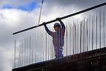 AMERSFOORT - In Amersfoort is Slokker Bouwgroep begonnen met de bouw van een gemengd woonblok in het Hogekwartier. In opdracht van Alliantie Ontwikkeling bouwt het Huizense bouwbedrijf twee keer 24 koopappartementen, 28 huurappartementen, 14 eengezinswoningen (huur), een hostel voor het Leger des Heils en bedrijfsruimten. In Hogekwartier gelegen tussen de wijken Liendert en Schuilenburg  moeten 800 nieuwe woningen verrijzen.COPYRIGHT TON BORSBOOM