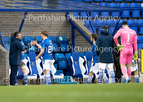 St Johnstone v Hibs …06.03.21   McDiarmid Park   SPFL<br />Saints manager Callum Davidson gives a well done to goalscorer Liam Craig at full time<br />Picture by Graeme Hart.<br />Copyright Perthshire Picture Agency<br />Tel: 01738 623350  Mobile: 07990 594431