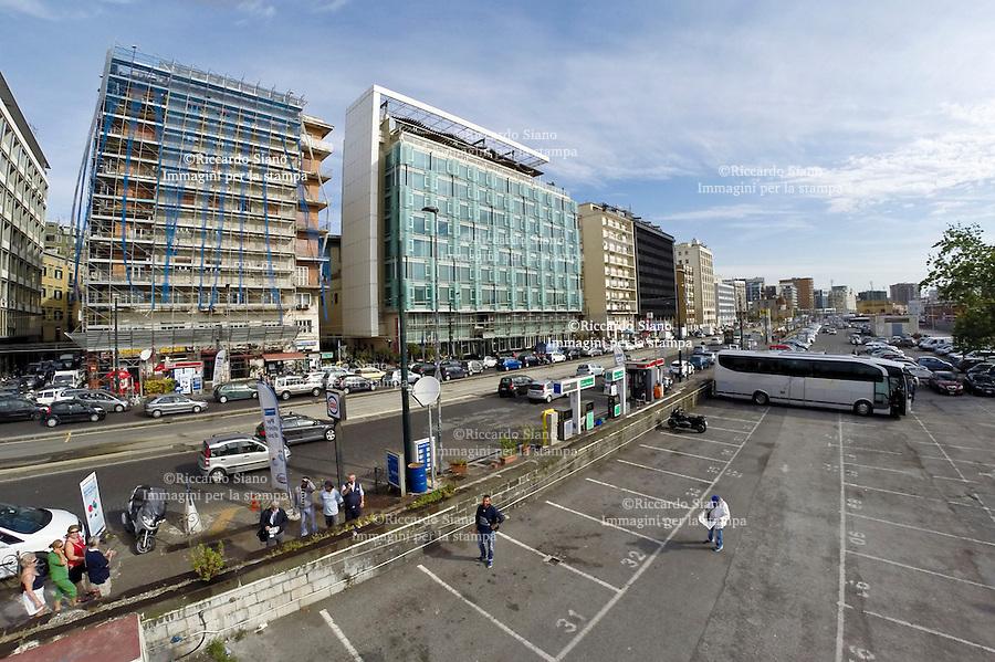 - NAPOLI 6 GIU -  Porto di Napoli Parcheggi auto