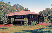F.L. Wright: Heurtley House, 1902. 318 Forest Ave., Oak Park.  Photo '76.