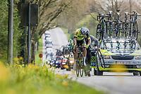 helped back on teh road by the team car after a flat<br /> <br /> 57th Brabantse Pijl - La Flèche Brabançonne (1.HC)<br /> 1 Day Race: Leuven › Overijse (197km)
