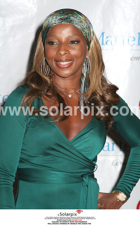 ALL ROUND PICTURES BY SOLARPOIX.COM.**MUST CREDIT SOLARPIX.COM OR DOUBLE FEE WILL BE CHARGED**.10/10/2006 - Mary J. Blige - 31st Annual T.J. Martell Foundation Gala - Marriott Marquis - New York, NY-JOB REF:2908-PHZ