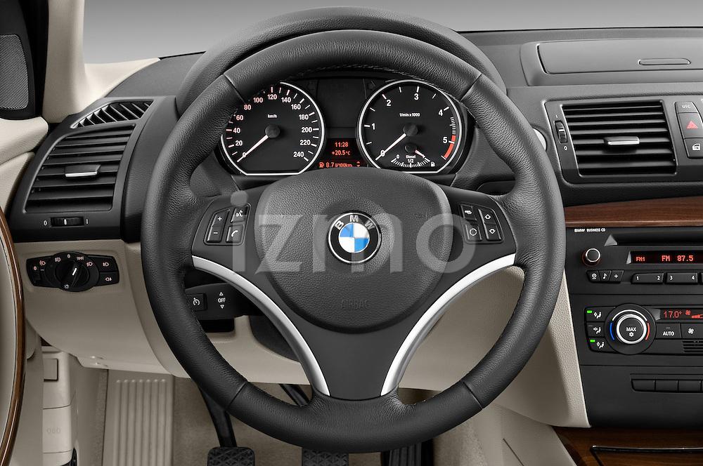 Steering wheel view of a 2004 - 2011 BMW 1-Series 118i 5 Door Hatchback 2WD.