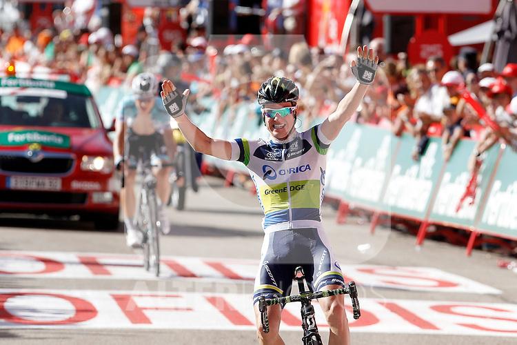 Simon Clarke win the stage of La Vuelta 2012 between Barakaldo and Valdezcaray in presence of Tony Martin (l) second calsified.August 21,2012. (ALTERPHOTOS/Acero)