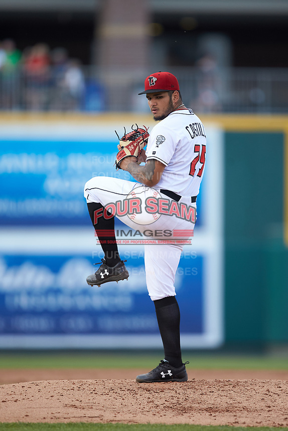 Lansing Lugnuts starting pitcher Maximo Castillo (25) in action against the South Bend Cubs at Cooley Law School Stadium on June 15, 2018 in Lansing, Michigan. The Lugnuts defeated the Cubs 6-4.  (Brian Westerholt/Four Seam Images)
