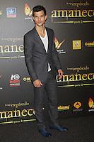 """ATENÇAO EDITOR FOTO EMBARGADA PARA VEICULOS INTERNACIONAIS - MADRI, ESPANHA, 14 NOVEMBRO 2012 - O ator Taylor Lautner durante premiere de """"The Twilight Saga: Breaking Dawn - Part 2"""" em Madrid capital da Espanha, neste sabado, 15. (FOTO: ALFAQUI / BRAZIL PHOTO PRESS)."""