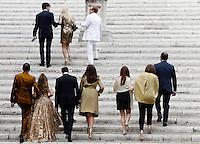 Invitati arrivano alla Basilica di Santa Maria in Aracoeli per la cerimonia nuziale di Valeria Marini e Giovanni Cottone, a Roma, 5 maggio 2013..UPDATE IMAGES PRESS/Riccardo De Luca