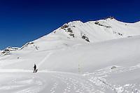 Winterwanderweg bei  Station Höfatsblick auf dem Nebelhorn bei Oberstdorf im Allgäu, Bayern, Deutschland<br /> winter hiking trail near Hillstation Höfatsblick,  Mt.Nebelhorn near Oberstdorf, Allgäu, Bavaria, Germany