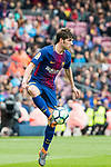 Sergi Roberto Carnicer of FC Barcelona in action during the La Liga 2017-18 match between FC Barcelona and Valencia CF at Camp Nou on 14 April 2018 in Barcelona, Spain. Photo by Vicens Gimenez / Power Sport Images