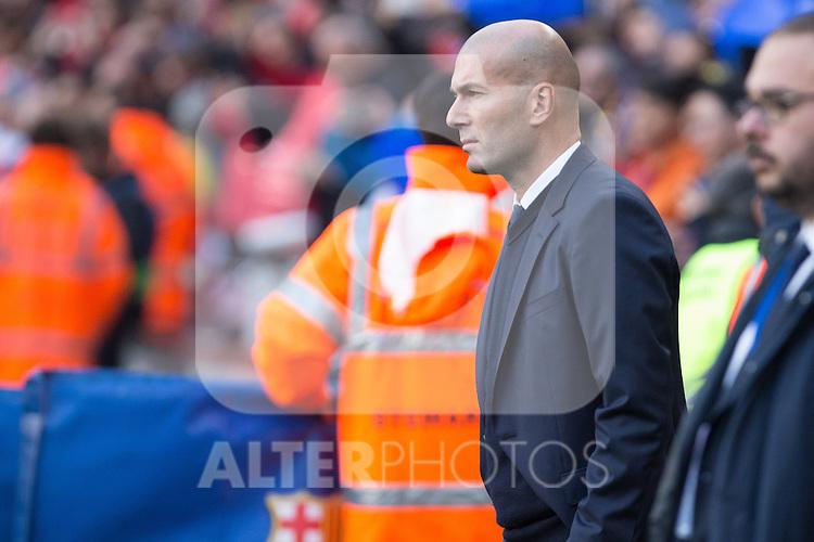 Real Madrid's coach Zinedine Zidane during spanish La Liga match between Futbol Club Barcelona and Real Madrid  at Camp Nou Stadium in Barcelona , Spain. Decembe r03, 2016. (ALTERPHOTOS/Rodrigo Jimenez)