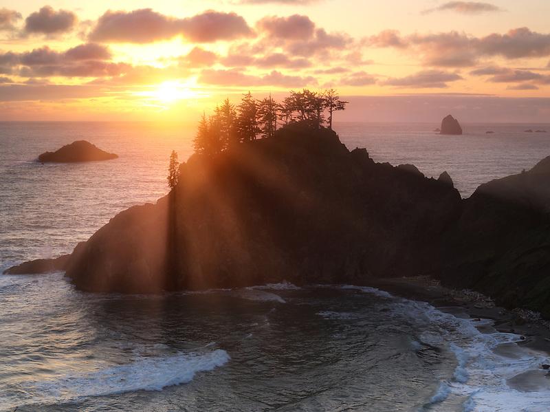 Sunset at Samuel H. Boardman State Scenic Corridor. Oregon