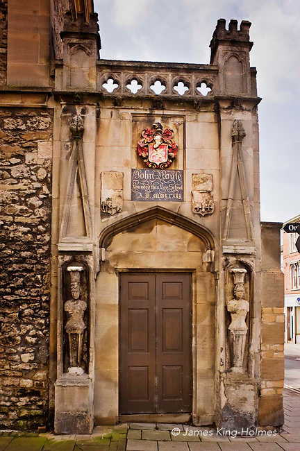 The entrance, in the gateway to Abingdon Abbey, to the school founded by a bequest from John Roysse, an Abingdon man who had risen to a position of wealth in London in the early 16th century. Although it is thought that a school was in existence on this site before 1563, the year shown on the plaque, it is now believed that this date marks the re-endowment of the school, which eventually became Abingdon School and which flourishes to this day.