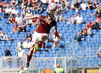 Calcio, Serie A: Roma vs Napoli. Roma, stadio Olimpico, 25 aprile 2016.<br /> Roma's Alessandro Florenzi heads the ball during the Italian Serie A football match between Roma and Napoli at Rome's Olympic stadium, 25 April 2016. <br /> UPDATE IMAGES PRESS/Isabella Bonotto