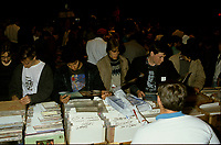 1986 File Photo - Montreal (qc) CANADA - Record collectors at the spectrum