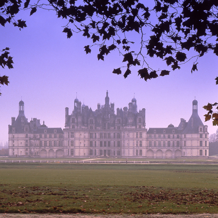 Europe, FRA, France, Val de Loire, Loir-et-Cher, Chambord, Castle, Chateau Chambord....[ For each utilisation of my images my General Terms and Conditions are mandatory. Usage only against use message and proof. Download of my General Terms and Conditions under http://www.image-box.com or ask for sending. A clearance before usage is necessary...Material is subject to royalties. Each utilisation of my images is subject to a fee in accordance to the present valid MFM-List...Contact | archive@image-box.com | www.image-box.com ]