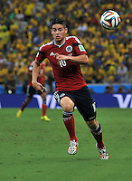 FORTALEZA - BRASIL -04-07-2014. James Rodriguez (#10) jugador de Colombia (COL) en acción durante partido de los cuartos de final  Brasil (BRA) por la Copa Mundial de la FIFA Brasil 2014 jugado en el estadio Castelao de Fortaleza./ James Rodriguez (#10) player of Colombia (COL) in action during the match of the Quarter Finals against Brazil (BRA) for the 2014 FIFA World Cup Brazil played at Castelao stadium in Fortaleza: Photo: VizzorImage / Alfredo Gutiérrez / Contribuidor