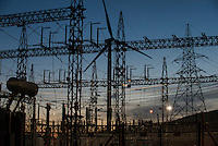 TURKEY, Bakir, 35 MW wind farm GOEKRES 2 of company Gama Enerji with General Electric GE wind turbines / TUERKEI, Bakir, 35 MW Windpark GOEKRES 2 der Gama Enerji mit GE Windkraftanlagen, Trafo-Station und Umspannwerk