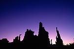 Sunrise over tufa towers, Mono Lake Tufa State Reserve, California, USA