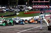 #1: Josef Newgarden, Team Penske Chevrolet, #88: Colton Herta, Andretti Harding Steinbrenner Autosport Honda, pit stop
