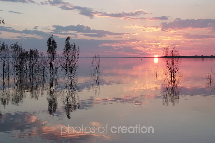 Sunset and Dusk at Lake Maraboon Emerald Queensland
