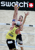 Campionati mondiali di beach volley, Roma, 18 giugno 2011..Brazil's Alison Cerutti, back to camera, in action against Germany's Julius Brink, during their Beach Volleyball World Championship semifinal match in Rome, 18 june 2011..UPDATE IMAGES PRESS/Riccardo De Luca