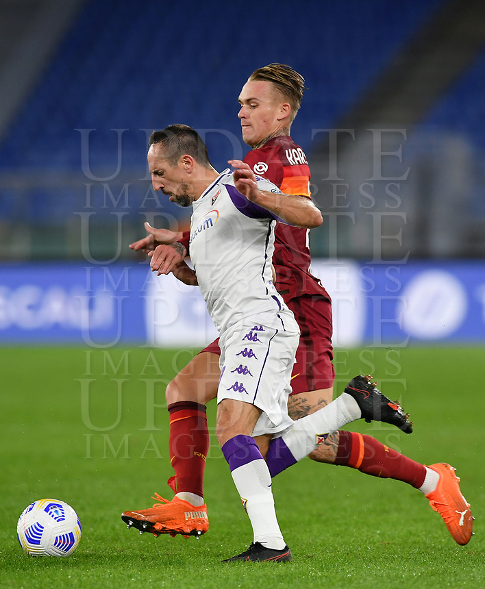 Football, Serie A: AS Roma - Fiorentina, Olympic stadium, Rome, November 1, 2020. <br /> Fiorentina's Franck Ribery (r) in action with Roma's Rick Karsdorp (l) during the Italian Serie A football match between Roma and Fiorentina at Olympic stadium in Rome, on November 1, 2020. <br /> UPDATE IMAGES PRESS/Isabella Bonotto