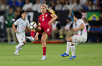 Carson, CA - Thursday August 03, 2017: Lindsey Horan during a 2017 Tournament of Nations match between the women's national teams of the United States (USA) and Japan (JAP) at StubHub Center.