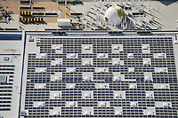 DEUTSCHLAND Hamburg, Bauprojekte der IBA Internationale Bauausstellung, Eingang IGS Internationale Gartenschau mit Schwimmbad mit Solardach<br /> /<br /> GERMANY Hamburg Wilhelmsburg, IGS and IBA projects , solar panel on roof