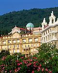 Kroatien, Istrien, Kvarner Bucht, Opatija: Grand Hotel Palace, Bellevue + Kirche Sv. Marije | Croatia, Opatija: Grand Hotel Palace, Bellevue + church Sv. Marije