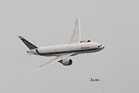- Boeing  B 777 Alitalia airliner....- aereo di linea Boeing  B 777 Alitalia
