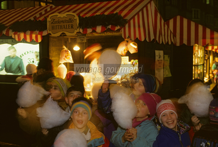 Europe/Autriche/Tyrol/Innsbruck : Le marché de Noël<br /> PHOTO D'ARCHIVES // ARCHIVAL IMAGES<br /> FRANCE 1990