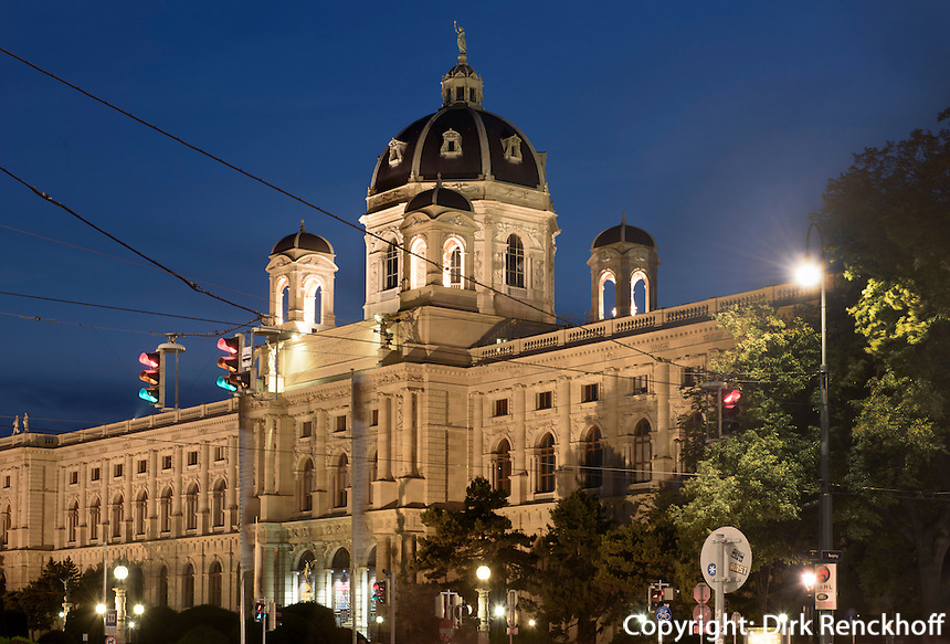 Naturhistorisches Museum am Maria-Theresien-Platz, Wien, Österreich, UNESCO-Weltkulturerbe<br /> Museum of Natural History, Vienna, Austria, world heritage