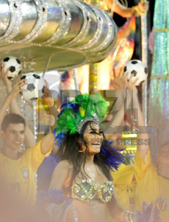 SÃO PAULO, SP, 05 DE MARÇO DE 2011 - CARNAVAL 2011 / VILA MARIA - A modelo paraguaia Larissa Riquelme durante desfile da escola Vila Maria, no segundo dia dos desfiles as escolas do Grupo Especial de São Paulo, no Sambódromo do Anhembi, zona norte da capital paulista. (FOTO: VANESSA CARVALHO/ NEWS FREE)