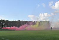 Belgium - Ukraine : tifo rookbommen<br /> foto DAVID CATRY / Nikonpro.be