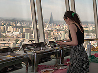 Rotierendes Restaurant im Yanggakdo-Hotel, Pyongyang, Nordkorea, Asien<br /> Rotating restaurant in Yanggakdo-Hotel, Pyonyang, North Korea, Asia
