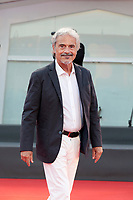 """VENICE, ITALY - SEPTEMBER 10: Massimo Dapporto walks the red carpet ahead of the movie """"Nuevo Orden"""" (New Order) at the 77th Venice Film Festival on September 10, 2020 in Venice, Italy. <br /> CAP/MPI/AF<br /> ©AF/MPI/Capital Pictures"""