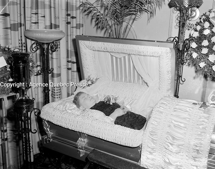 Cerceuil d'enfant, 1959<br /> , Quebec, <br /> date exacte inconnue.<br /> <br /> <br /> <br /> PHOTO  : Agence Quebec Presse