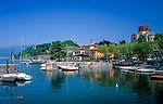 Italien, Lombardei, Lago Maggiore, Laveno am Ostufer des Lago Maggiore, von hier geht die einzige Autofaehre ans Westufer nach Verbania (Intra) |Italy, Lombardia, Lago Maggiore, Laveno at the east bank of Lago Maggiore, here starts the only carferry to the west bank to Verbania (Intra)