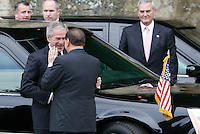 Il Presidente del Consiglio Silvio Berlusconi accoglie il Presidente degli Stati Uniti George W. Bush, sinistra, a Villa Madama, Roma, 12 giugno 2008..Italian Premier Silvio Berlusconi welcomes U.S. President George W. Bush, left, at Rome's Villa Madama, 12 june 2008..UPDATE IMAGES PRESS/Riccardo De Luca