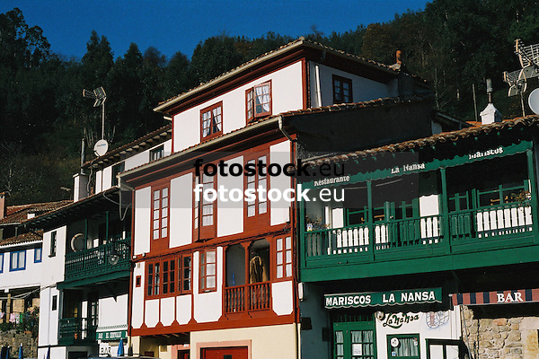 typical asturian architecture in the fishing village Tazones (Concejo Villaviciosa)<br /> <br /> arquitectura típica asturiana en el pueblo pesquero de Tazones (Concejo Villaviciosa)<br /> <br /> typisch asturianische Architektur in dem Fischerdorf Tazones (Gemeinde Villaviciosa)<br /> <br /> 3360 x 2240 px<br /> 150 dpi: 60,96 x 40,83 cm<br /> 300 dpi: 30,48 x 20,41 cm<br /> Original: 35 mm